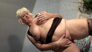 Granny, Old granny, Saggy, Amateur mature, Mature squirt, Squirting