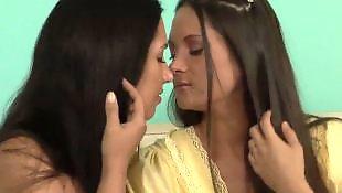 Lesbians kissing, Rip