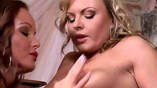 Lesbians rub, Трутся грудью, Нежные лесби
