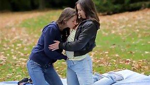 Lesbians rub, Щупает, Кончить внутр, Кончает
