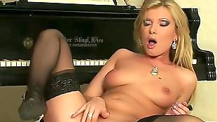 Big boobs solo, Boobs solo, Solo big ass, Donna bell