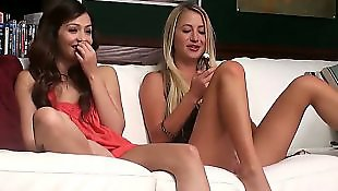 Cassie laine, Behind the scenes, Lesbians kissing