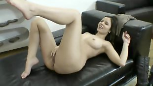 Solo fingering, Solo girl