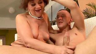 Vielle mamie se masturbe, Vieille masturbe jeune, Vieille grosse masturbe, Vieille fesse un jeune, Mamies anal, Mamie tits
