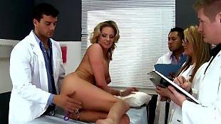 Мамка с большими сиськами, Дикий отсос, Анал с медсестрой, Анал с большими грудями