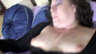 Mature amatrice mouille, Lesbienne qui mouille, Copines lesbiennes