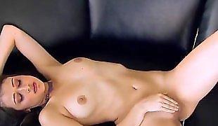 Секс с женой, Мастурбирует после душа