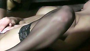 Мастурбация в сексуальном белье, Мастурбация в платьях, Мастурбация в платье, Позирует в платье, В сексуальных чулках мастурбирует, В подвязках