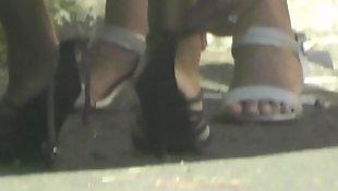 Черный каблук, Жестоко, В черных