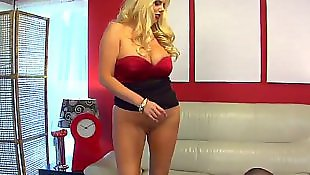 Housewife, Karen fisher, Mature