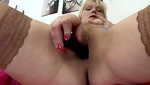 Housewife, Wet pussy, Mature amateur, Mature, Milf stockings, Wetting