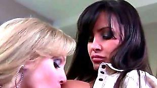 Lisa ann, Julia ann, Lesbians kissing, Julia ann lesbian, Lisa ann lesbian