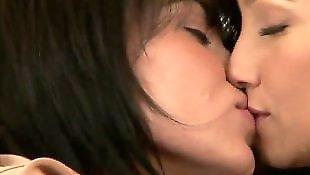 Lesbians kissing, Celeste star