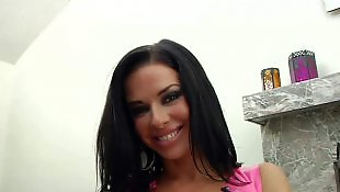 Соло в розовом, Мастурбация в белье, Мастурбация большая грудь, Показывает грудь