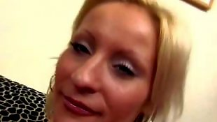 W gumie, Lesbijki bielizna
