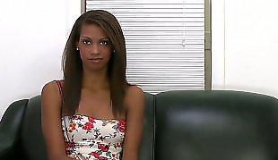 Striptease, Casting