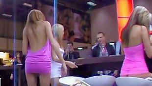 Фото порно, Порно фото, Позирует в платье, В синем платье