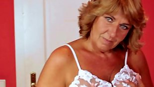 Mature amatrice mouille, Grosses mamies, Grosse mamie, Chattes humides, Chatte mature mouillee
