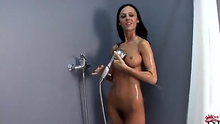 Solo shower, Solo girls