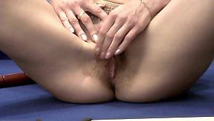 Masturbation grany, Grany masturbation, Grany masturbating