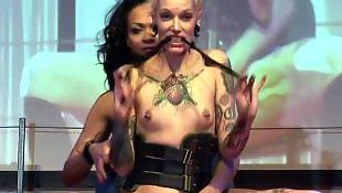 Public lesbian, Nudist
