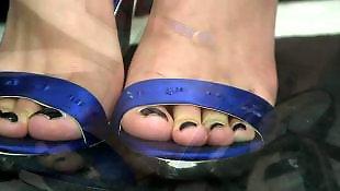 Мани, На ботинки