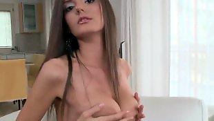 Masturbacja solo brunetka