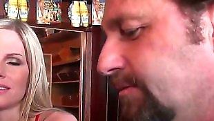 Совращение домохозяек, Зрелые с неграми, В баре