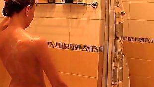 Shower petite, Joi petite, Deux