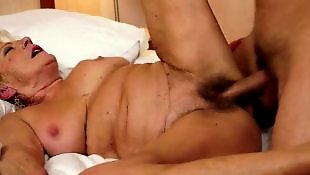 Секс со зрелой, Секс с волосатой, Молодые со зрелыми