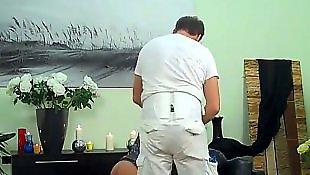 Раб лижет в порно, Лижущий раб
