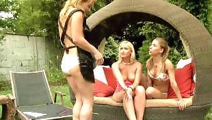 Lesbian bikini, Curvy, Curvy lesbian