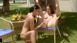 Eve angel, Caught, Simone peach, Garden