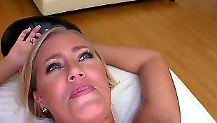 Massage, Nicole aniston