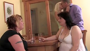 Moms, Mature fuck, Mom, Mature, Mature amateur