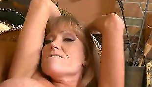 Mature, Mother, Darla crane, Mom, Housewife, Friends mom