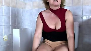 Zw, Masturbation grany, Grany toilet, Grany masturbation, Grany masturbating