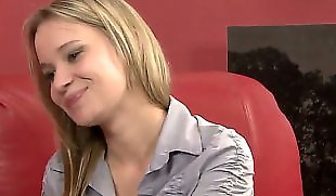 Lesbians kissing, Romance