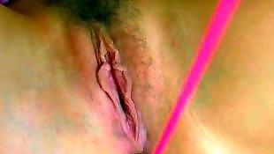 W gumie, Owłosione z dildo