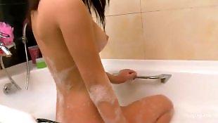 Соло в ванной, Мастурбирует мороженым, Мастурбация в душе, Мастурбация в ванной, Голые в душе