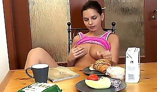 Eve angel, Food