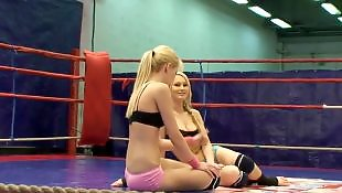 Wrestling, Sophie moone