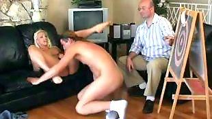 Мани, Оргазм с большими сиськами
