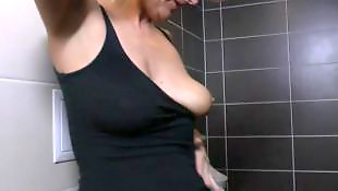 Granny, Moms, Toilet, Mom, Amateur mature, Mature amateur