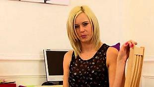 Masturbacja blond cipka