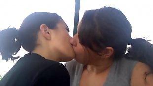 Lesbians kissing, Kissing, Lesbian kissing, Lesbian kiss, Kiss, Kissing lesbian