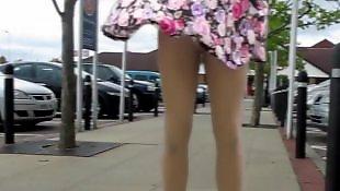 Skirt, Upskirt, Babes, Amateur milf, Flash, Flashing