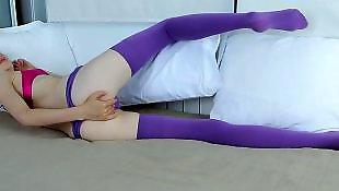 Мастурбирует в фиолетовых чулках, Мастурбация в чулках, Мастурбация большие сиськи чулки, Глория в чулках, В сексуальных чулках мастурбирует, В колготках анал
