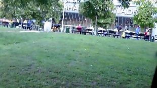 Сосёт у подростка, В парке, Неопытный минет