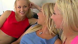 Страпоном в попу, Домашнее в попу, Блондинка домашняя